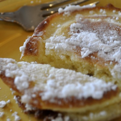 MOM'S GERMAN PANCAKES